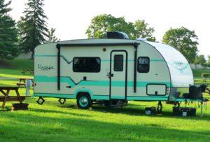 overnight-vintage-camper