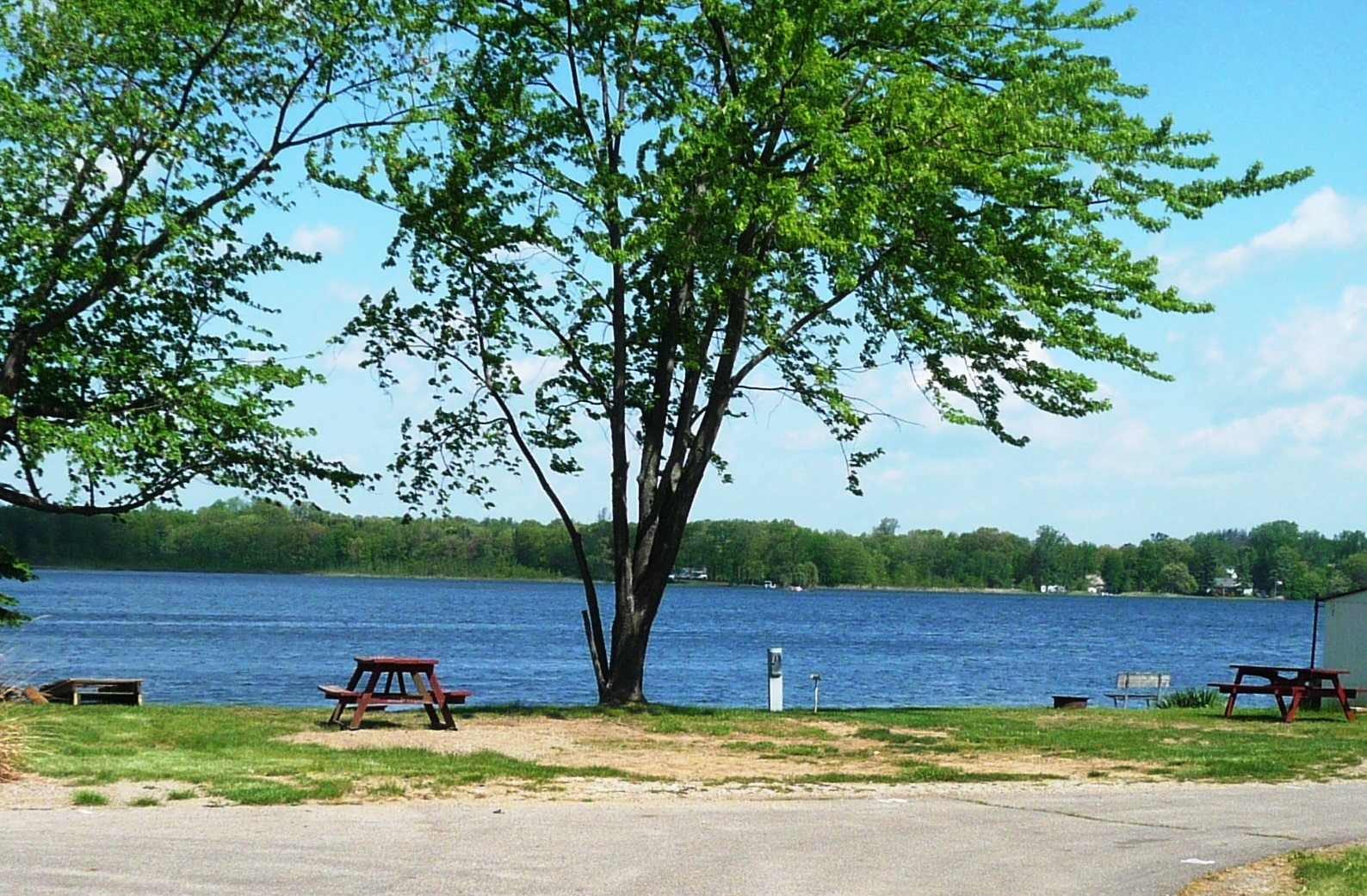 Lake frontage sites available for overnight camping.